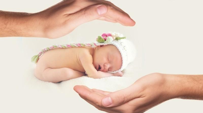 neonato_bambino_aiuta-a-far-nascere