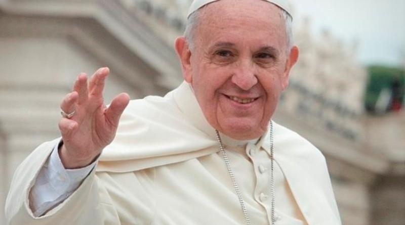 Papa Francesco è un atrocità e la sola famiglia è quella tra uomo e donna