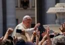 Ai medici. Il Papa: mai l'eutanasia, non perdetevi d'animo per le incomprensioni